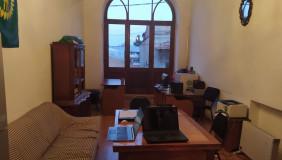 Сдаётся 2 комнатная  Офис на Мтацминда
