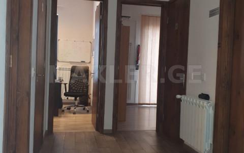 ქირავდება 8 ოთახიანი  ოფისი დიდუბე  ლუბლიანის ქუჩაზე