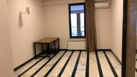 Сдаётся 8 комнатная  Офис в Ваке