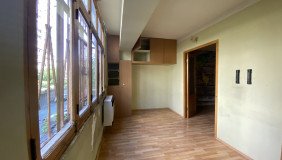 Продается 5 комнатная  Квартира на Сабуртало