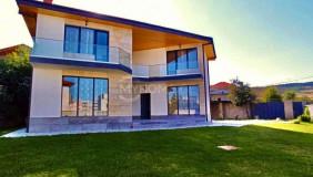 Сдаётся 6 комнатная  Частный дом на Сабуртало