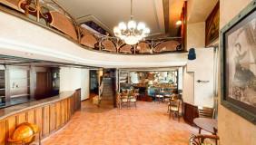 იყიდება ან ქირავდება 700 m² ფართობის კომერციული ფართი მთაწმინდაზე