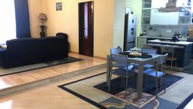 For Sale 7 room  Apartment in Mtatsminda