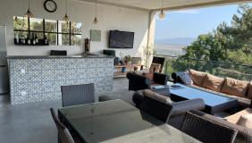 Продается 10 комнатная  Частный дом в Ваке