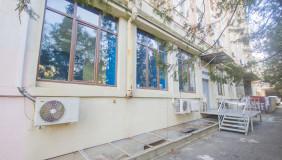 Satılık 301 m²  İşyeri in Saburtalo