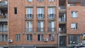 Сдаётся 2 комнатная  Квартира на Мтацминда
