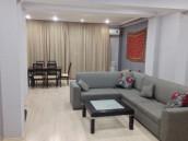 Сдается 4-комнатная квартира с 3 спальнями в престижном Тбилисском районе Ваке на улице Кекелидзе. В квартире есть большая веранда с прекрасным видом. Квартира обеспечена необходимой мебелью и бытовой техникой.