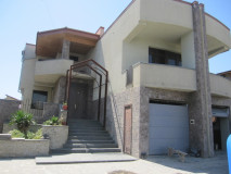 For Rent 670 sq.m. Private house in Digomi 1