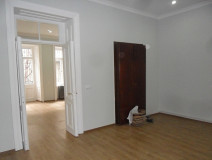 For Rent 70 sq.m. Commercial space in Z.Chavchavadze st.