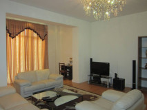 For Rent 108 sq.m. Apartment in Rustaveli ave.