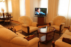 For Rent 200 sq.m. Apartment in Br. Zubalashvili st.
