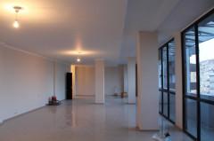 Сдается 157 кв.м. офис, с 35 кв.м. верандой. В Ваке, на проспекте Чавчавадзе.