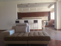 For Rent 130 sq.m. Apartment in I. Chavchavadze Ave.