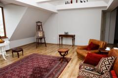 For Rent 200 sq.m. Apartment in Kostava st.