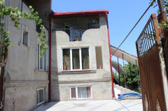 For Rent 800 sq.m. Private house in Uchaneishvili st.