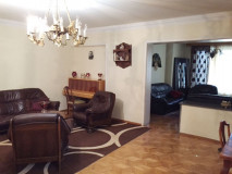 For Sale 150 sq.m. Apartment in Nutsubidze st.