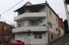იყიდება 220 კვ.მ. საკუთარი სახლი ა.რაზმაძის ქუჩაზე