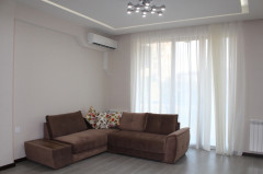 For Rent 100 sq.m. Apartment in S. Tsintsadze st.
