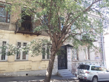 For Rent 120 sq.m. Apartment in Shanidze st.