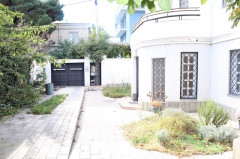 For Rent 375 sq.m. Private house in M.Gelovani st.