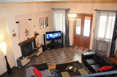 For Rent 210 sq.m. Private house in Kartozia st.