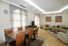 Kiralık 196 m² Apartman Dairesi  in Mtatsminda dist. (Old Tbilisi)