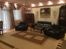 For Rent 162 sq.m. Apartment in Paliashvili st.