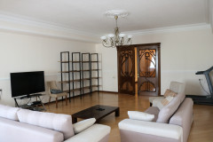 For Rent 287 sq.m. Apartment in I. Chavchavadze II blind alley