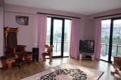 Kiralık 200 m² Apartman Dairesi on Ateni st.