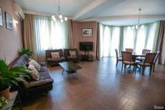 Kiralık 200 m² Apartman Dairesi in Chitadze st.