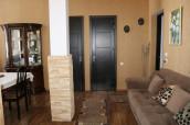 იყიდება ბინ ვერაზე, შანიძის ქუჩაზე. ბინაში არის 2 საძინებელი და დიდი მისაღები ოთახი. ბინა მდებარეობს იდეალურ ადგილას როგორც საცხოვრებლად ასევე გასაქირავებლად. ბინა არის ძალიან ნათელი და თბილი. სუფთა და მოწესრიგებული სადარბაზოთი.  For sale ,apartment on Vera, on Shanidze str. The apartment has 2 bedrooms and a large living room. The apartment is ideally located for both living and renting. It is with high ceiling, bright ,cosy and clean !  Продается квартира на Вере, на ул. Шанидзе. В квартире 2 спальни и большая гостиная. Квартира идеально расположена как для проживания, так и для сдачи в аренду. Он с высоким потолками, светлая, уютная и чистая!