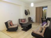 сдается 2 комнатная квартира, студийного типа, полностью оборудована необходимой мебелью и техникой. В Ваке, на улице  Кипшидзе.