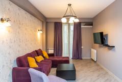 ქირავდება ვაკეში, ბარნოვის ქუჩაზე 3 ოთახიანი ახალგარემონტებული სტუდიოს ტიპის ბინა 2 საძინებლით. ბინა მდებარეობს პრესტიჟულ სახლში და უზრუნველყოფილია ყველა საჭირო ავეჯითა და ტექნიკით.  Apartment for rent in Vake, on Barnovi street. It comprises a kitchen-living room and two bedrooms. The apartment is in a prestigious building and newly renovated.  It's supported with all necessary furniture and household appliances. Сдается квартира в Ваке, на улице Барнова. Она состоит из кухни-гостинной и двух спален. Квартира находится в престижном здании и недавно отремонтированна.  Он снабжен всей необходимой мебелью и бытовой техникой.