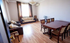 For Rent 140 sq.m. Apartment in S. Tsintsadze st.