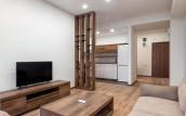 Сдается 2-комнатная квартира студийного типо, с 1 спальней, полностью оборудованная мебелью и техникой, недалеко от парка Ваке, в комплексе « Archi Towers», построенном компанией Archi. В здании круглосуточная охрана и ресепшн.