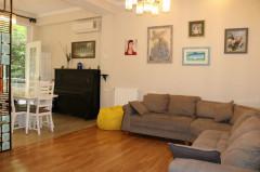 For Rent 300 sq.m. Apartment in Anjaparidze st.