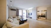 Продаётся квартира в районе Ваке на улице Кипшидзе. Квартира расположена в новостройке и в нём произведён ремонт высокого качества. Общая площадь 123 кв.м.  Стоимость паркинга отдельно  10000 Долларов США.