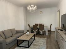 В престижном районе Тбилиси Ваке, на ул. Кипшидзе, сдается квартира. Квартира недавно отремонтирована с 3 спальнями, 2 - я сан узлами и 3 - я балконами. Квартира обеспечена необходимой мебелью и бытовой техникой и очень удобная.
