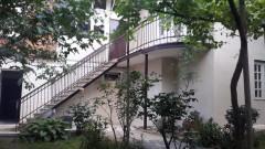 ქირავდება 250 კვ.მ. საკუთარი სახლი აბაშელის ქუჩაზე