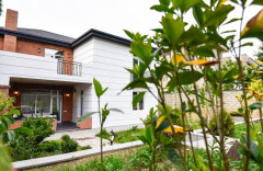 ქირავდება 420 კვ.მ. საკუთარი სახლი წყნეთში