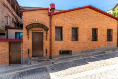For Rent 150 sq.m. Private house in D. Kipiani st.