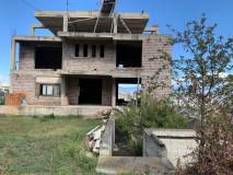 იყიდება 1500 კვ.მ. საკუთარი სახლი უჩანეიშვილის III ჩიხში