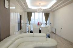 Аренда новой квартиры в Кавтарадзе, в комплексе Dream Town. В квартире качественная мебель и ремонт. В здании круглосуточная охрана.