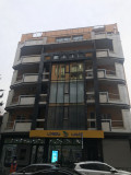 Срочно продается в новостройке 48 кв. М. Железная дверь, балконы, натяжные полы, электропроводка, потолки и побеленные стены.