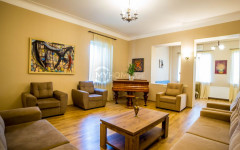 For Rent 150 sq.m. Apartment in L.Botsvadze