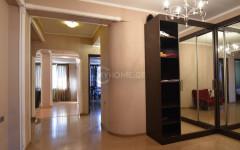 Сдаётся 138 кв.м. Квартира на ул. Гамбашидзе