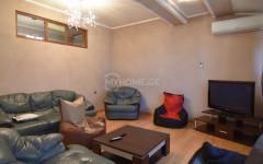 For Rent 138 sq.m. Apartment in Gambashidze st.