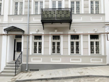 Сдаётся 240 кв.м. Квартира на ул. Саятнова