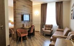 ქირავდება სასტუმრო ფიქრის გორაზე. სასტუმრო უზრუნველყოფილია საჭირო ავეჯითა და ტექნიკით. ყველა ოთახს აქვს საკუთარი სველი წერტილი და კონდინციონერი, იზოლირებული სამზარეულო და სამრეცხაო. Hotel for rent on 'Pikris Gora'. The hotel is provided with necessary furniture and household appliances. All rooms are supported by the bathroom and air conditioning systems. The hotel has a separate kitchen and laundry. Сдаётся в аренду на 'Пикрис Гора' гостиница, которая обеспечена необходимой мебелью и бытовой техникой. Все номера оснащены ванной комнатой и системой кондиционирования воздуха. В отеле имеются  кухня и прачечная.