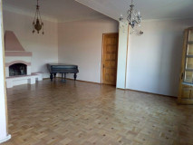 For Rent 220 sq.m. Apartment in Griboedovi st.